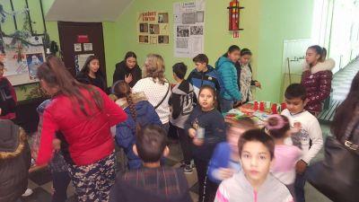 """Благотворителен Коледен базар в СУ """"Св.Климент Охридски"""" с.Камен - Изображение 6"""