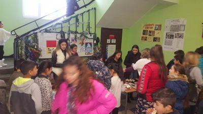 """Благотворителен Коледен базар в СУ """"Св.Климент Охридски"""" с.Камен - Изображение 7"""