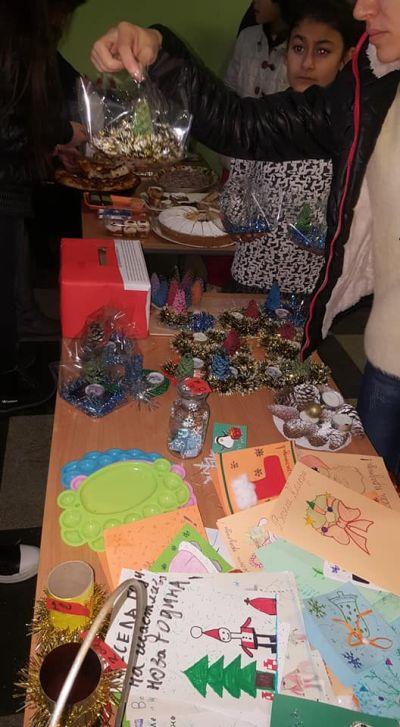 """Благотворителен Коледен базар в СУ """"Св.Климент Охридски"""" с.Камен 2"""